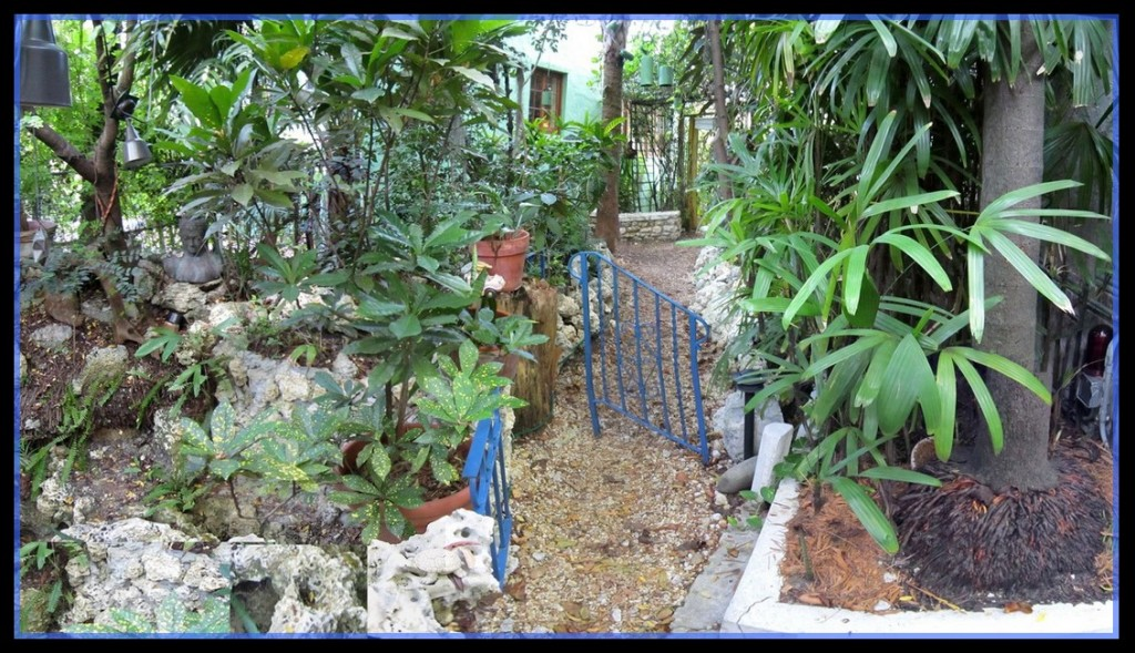 Inner gate, Garden.